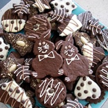 Фигурное печенье в шоколаде