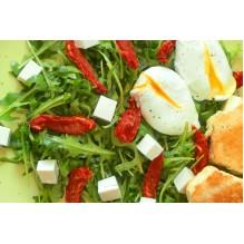"""Салат с вялеными томатами и яйцом """"Пашот"""", 200 гр."""