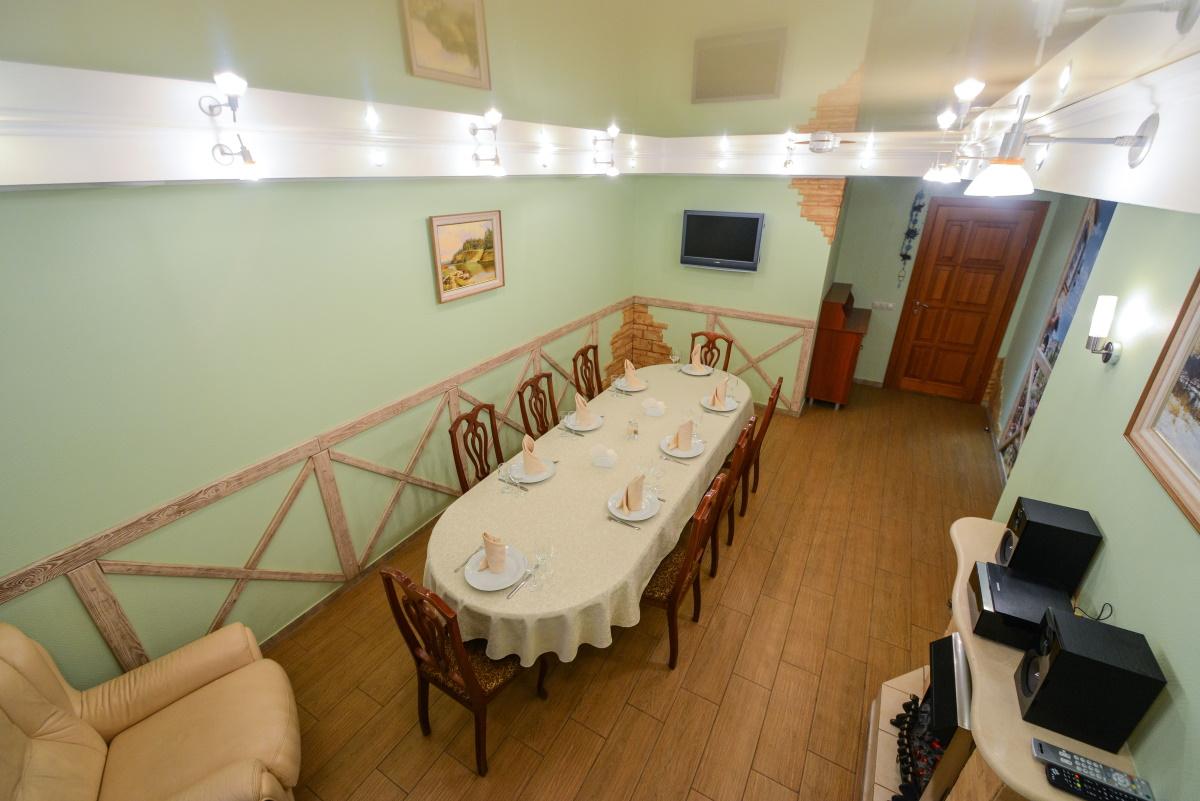 банкетный зал на 45-50 мест в кафе Elefant +7 (3812) 408-003